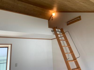2F洋室6帖に設置されたロフト