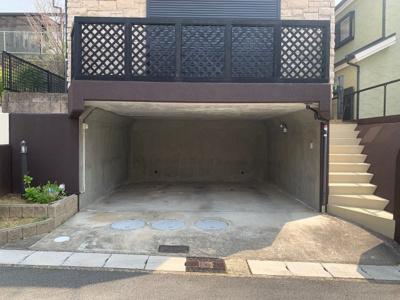 掘込車庫 2台駐車可能