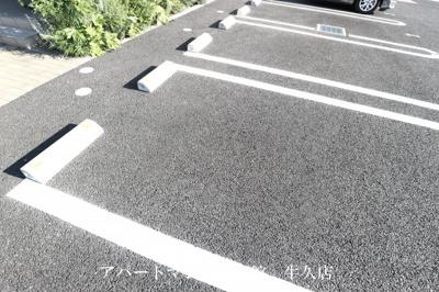 【駐車場】ゼピュロス学園の森B