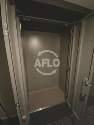 ジオタワー天六 玄関横には便利なトランクルームがございます