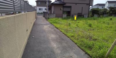 【前面道路含む現地写真】藤岡市小林の土地