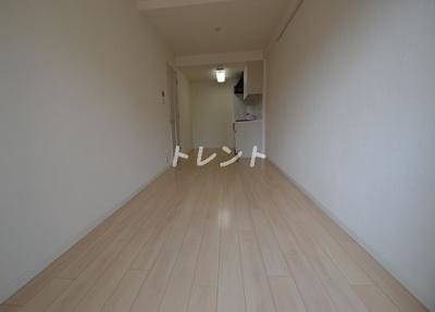 【居間・リビング】メゾンカルム西新宿