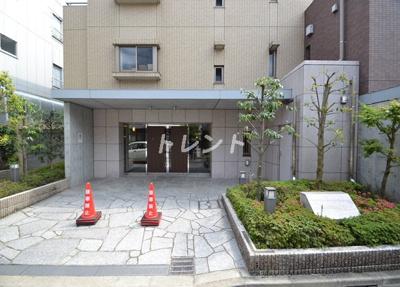 【エントランス】メゾンカルム西新宿