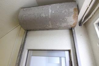 ドアにはシャッターも付いています。