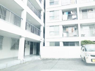 1階専用庭‼専用駐車場付き‼