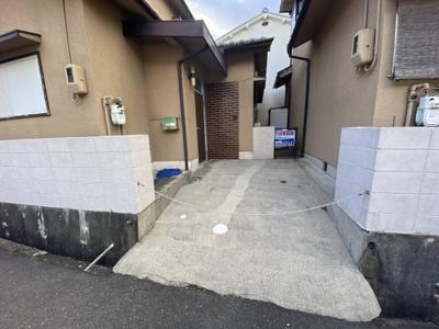 【駐車場】安岡寺3丁目貸家 (株)Roots