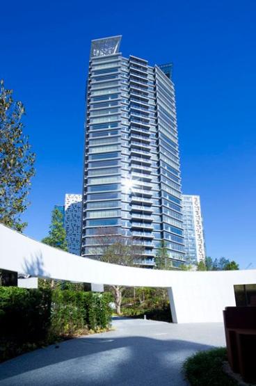【外観】コンフォリア新宿イーストサイドタワー