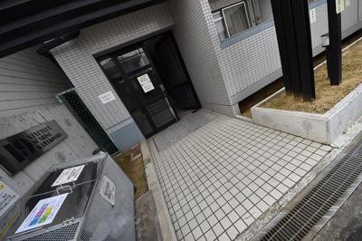 【エントランス】19サンライズ上小阪