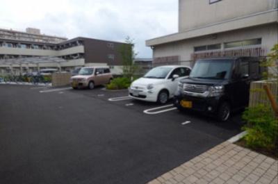 【駐車場】ゼスト グリナージュ