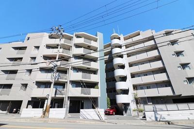 【現地写真】  総戸数38戸の 分譲マンションです♪