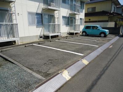 【駐車場】アークハイツ