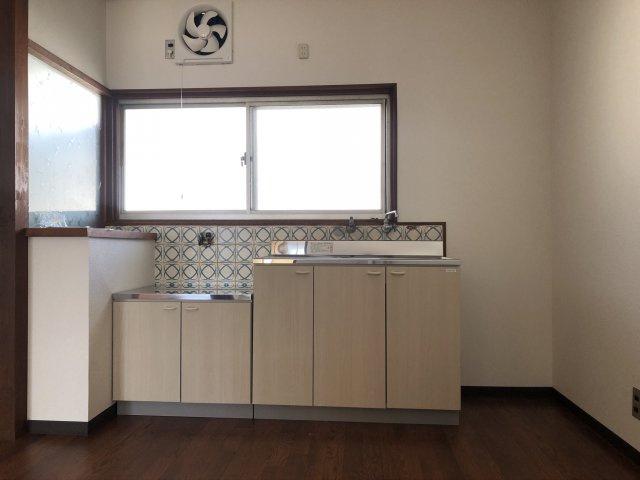 リフォームによりキッチン新設♪コンパクトなキッチンで掃除もラクラク