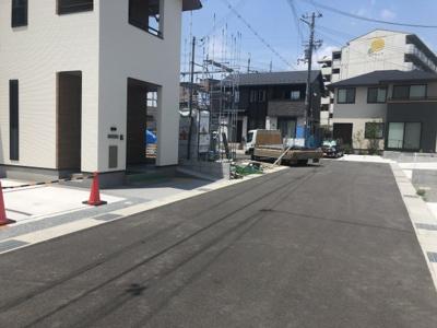 【前面道路含む現地写真】長期優良認定住宅 小野市中町新築