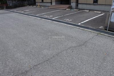 【駐車場】バリュージュ本郷