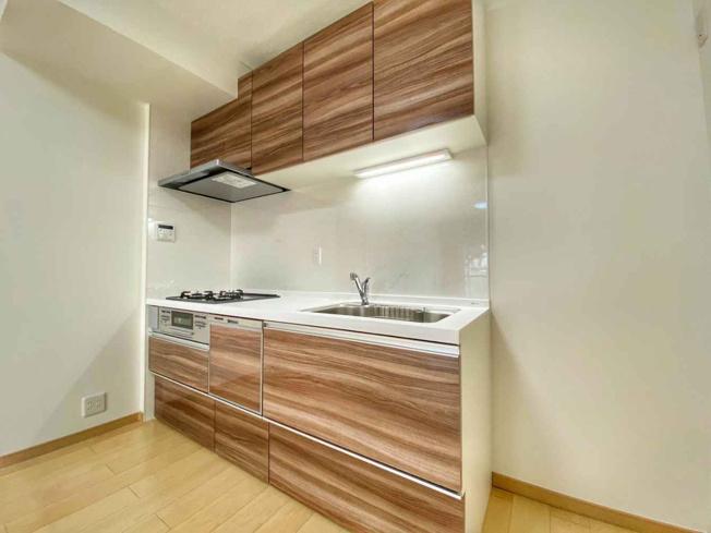 新調したてのキッチンには食洗機がついており後片付けも楽々ですよ♪