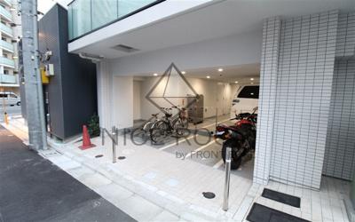 コージーコート島津山 バイク置場