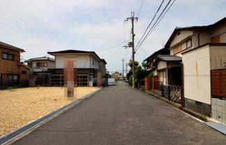 【前面道路含む現地写真】守山市千代町 売土地