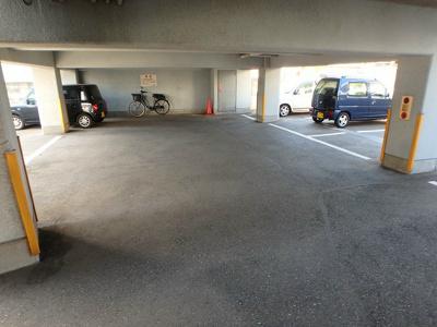 【駐車場】グランドアイ三萩野