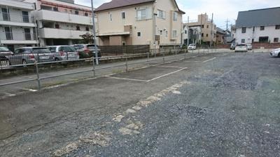 【外観】なか駐車場