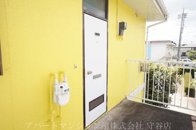 【玄関】ファミーユアカギ