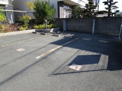 【駐車場】カーサ・ベアーレ