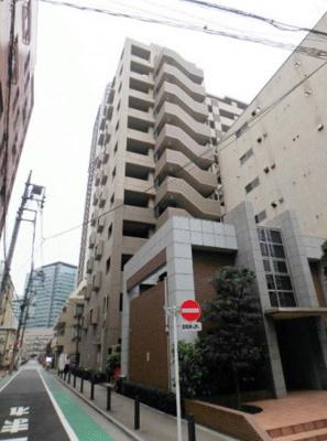 五反田駅から徒歩4分の駅近マンション。近隣にはコンビニ、スーパーや飲食店、スポーツジム等あり生活至便
