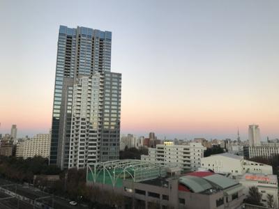バルコニーからスカイツリーや隅田川花火大会が見えます