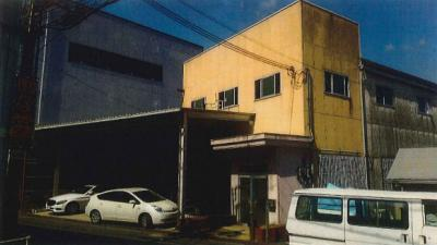 堺市中区楢葉 二階建て倉庫 約110坪! 駐車スペース有