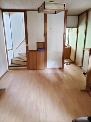 【居間・リビング】鳥取市茶町中古戸建て