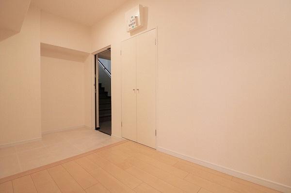 【現地写真】 個人の部屋や寝室として使える洋室です♪