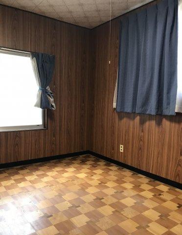 2階北東洋室です。
