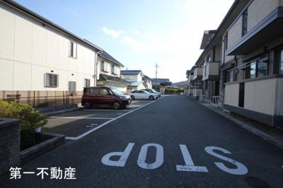 【駐車場】アミカルコートB棟