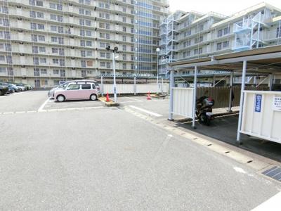 駐車場、駐輪場等です