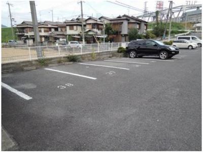 【駐車場】ハイツファミールB棟