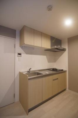 作業スペースが広めのキッチンです