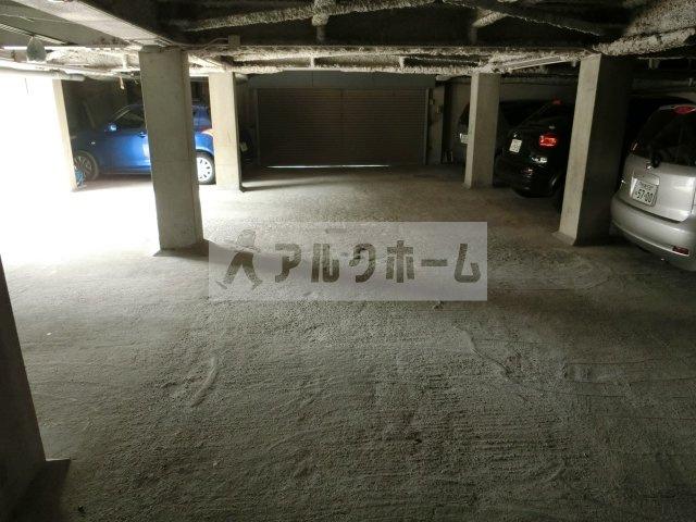 山下マンション 駐車場