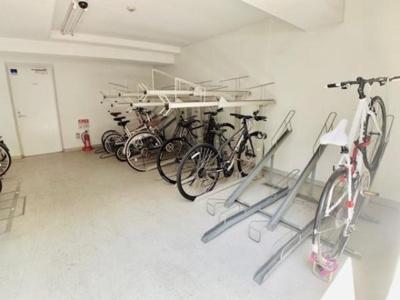 リアルスウィート三軒茶屋 自転車