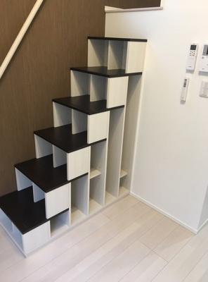 スカイパークテラスの収納付き階段☆