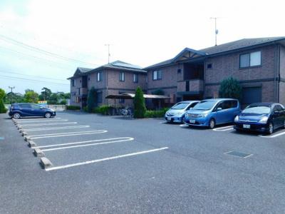 【駐車場】リビングタウン上野台C