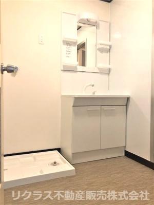 洗濯機置き場スペースもあります