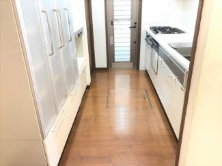 収納便利な食洗器棚