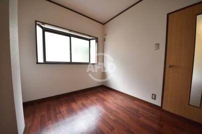 西田ハイツ 寝室