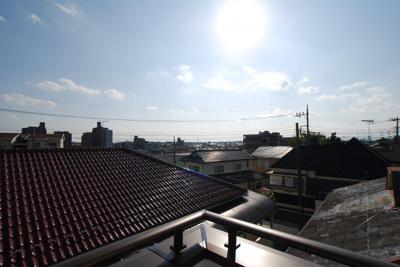 南西側眺望 太陽の下にはメットライフドームが見えます。