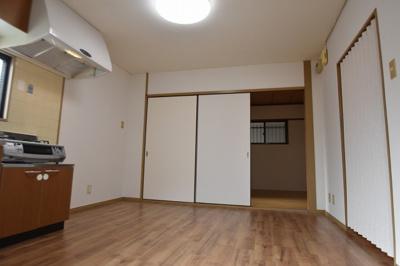 【居間・リビング】ヤマモトマンション(株)ROOTS