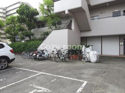 駐車場及び自転車置き場