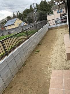 中央区松ヶ丘町 新築一戸建て 大森台駅 裏が畑になっており、日当たりの良いお庭なっています。