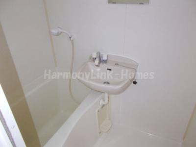 アドバンス東長崎の落ち着いた空間のお風呂です☆