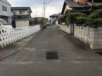 【前面道路含む現地写真】松山市 余戸東 売土地 49.91坪
