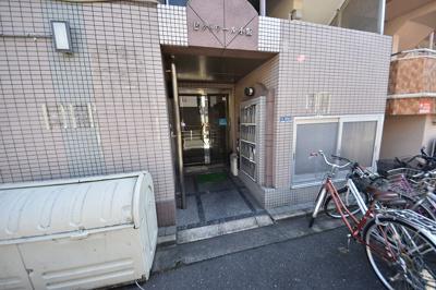 【エントランス】ビクトワール小阪