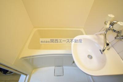 【浴室】レオパレスレジデンス新石切